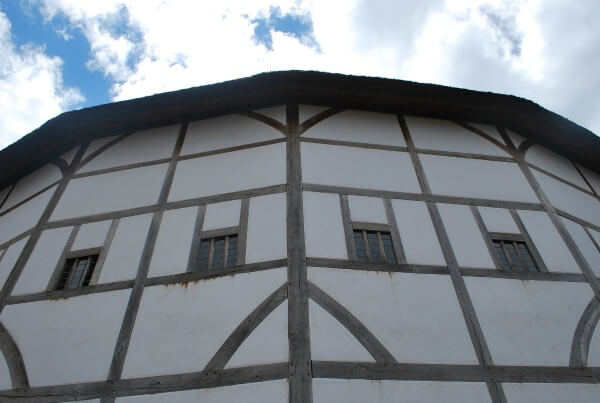 shakespeare globe theatre in London