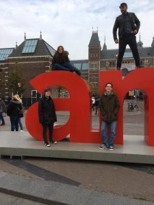 kids-at-amsterdam-sign