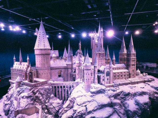 Harry Potter studios hogwarts in snow
