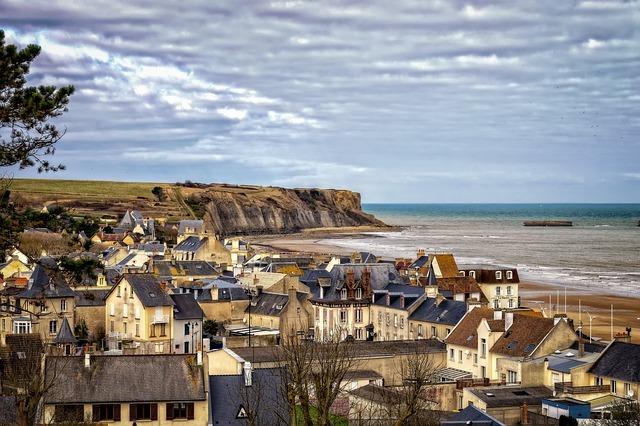historical places - normandy arromanches