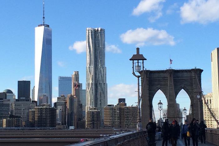 brooklyn bridge skyline new york city