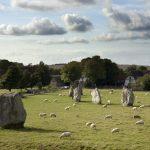 visiting avebury stone circle and village