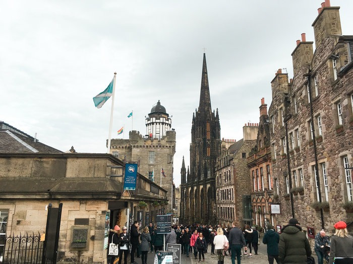 attractions on edinburgh royal mile scotland