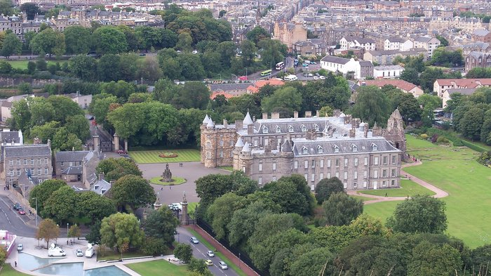 palace of holyroodhouse royal mile