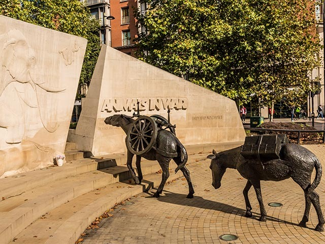 animals in war memorial London